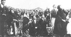 Photograph taken during the reputed 'Dance of the Sun' at Fatima on 13 October 1917 - click for full size.