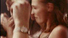 Thumbnail image 87 from the Millennium episode Nostalgia.