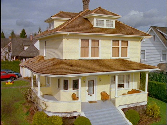 A picture of the Yellow House (12).