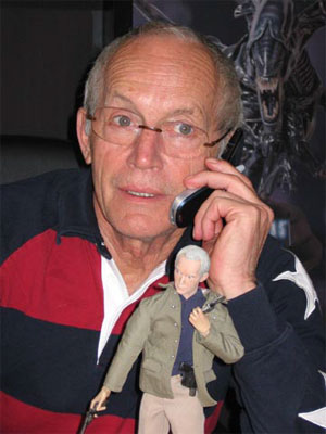Lance Henriksen having fun at Sideshow Collections!